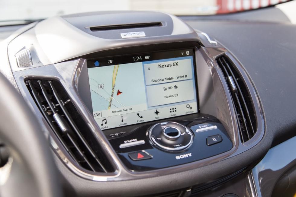 ,车载信息娱乐系统,QNX,Linux,Android Auto,CarPlay