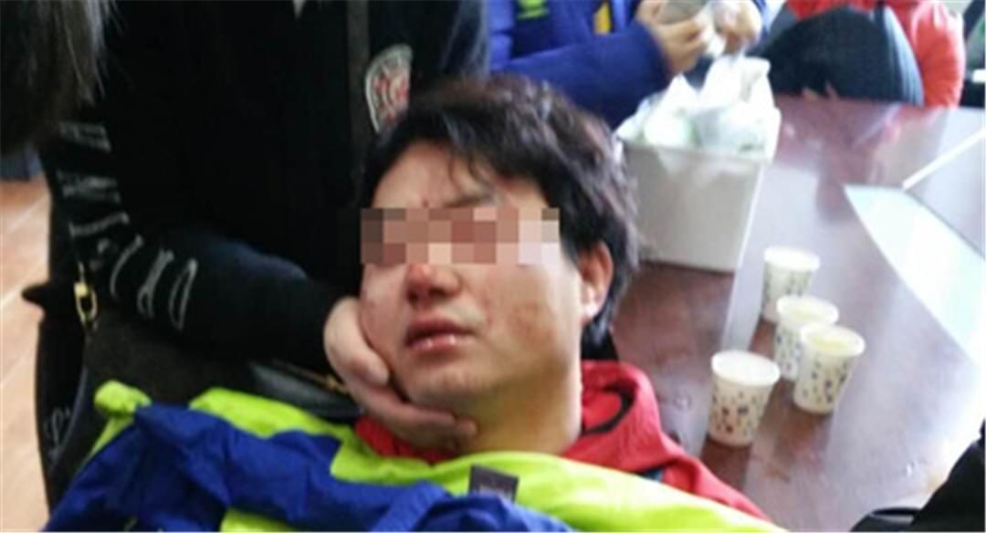 辽宁跆拳道比赛动真格 一教练被打进医院
