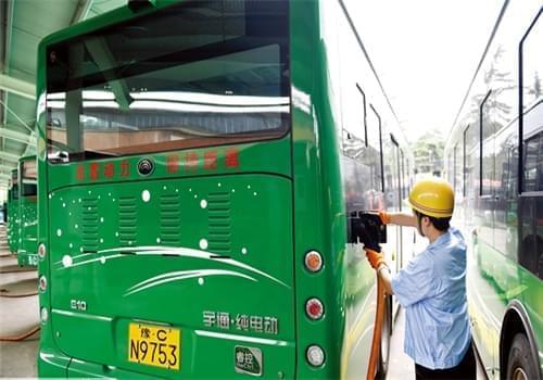 洛阳市这10余条线路上能坐新型纯电动公交车