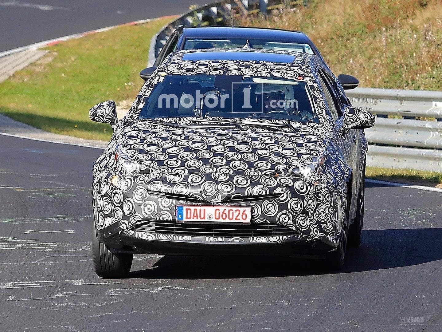 于明年正式发布 七座普锐斯V测试车曝光