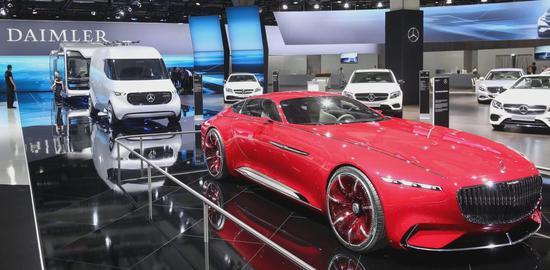 戴姆勒投10亿美元研发电动车 马斯克认为仅小钱
