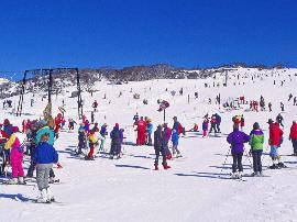 宜昌新增一处滑雪场 长阳龙池山滑雪场开门迎客