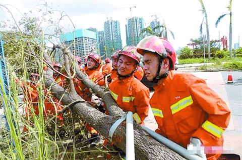 佛山市消防支队53名官兵驰援珠海抢险救灾昨日凯旋