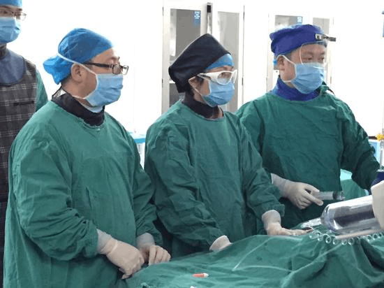 长沙大学生网吧鏖战3天3夜 国庆期间中风入院抢救