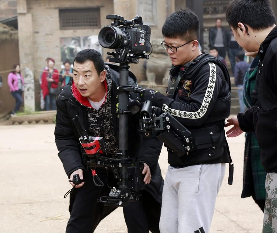 郝平自导自演《红簪子》:绝不允许在剧组骂大街