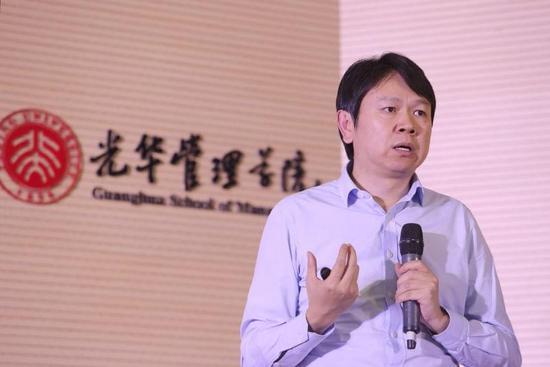 北京大学光华管理学院金融学和经济学教授、博士生导师、副院长、EMBA中心主任刘俏教授