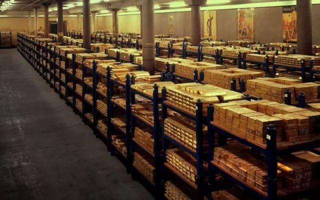 神秘的瑞士银行 为何成为全世界富豪的藏金之地?