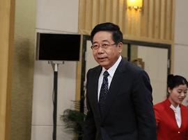 """教育部长陈宝生:乡村教师短缺 表现为""""下不去"""""""