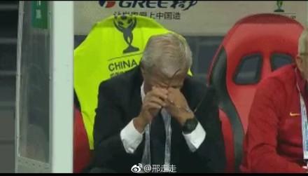 轻松一刻:惨败的国足,对手为何给出如此高评价?