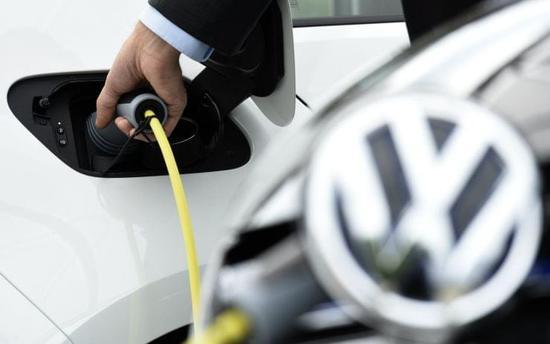 行业话题--大众的电动汽车理想:充电15分钟,纵横300英里