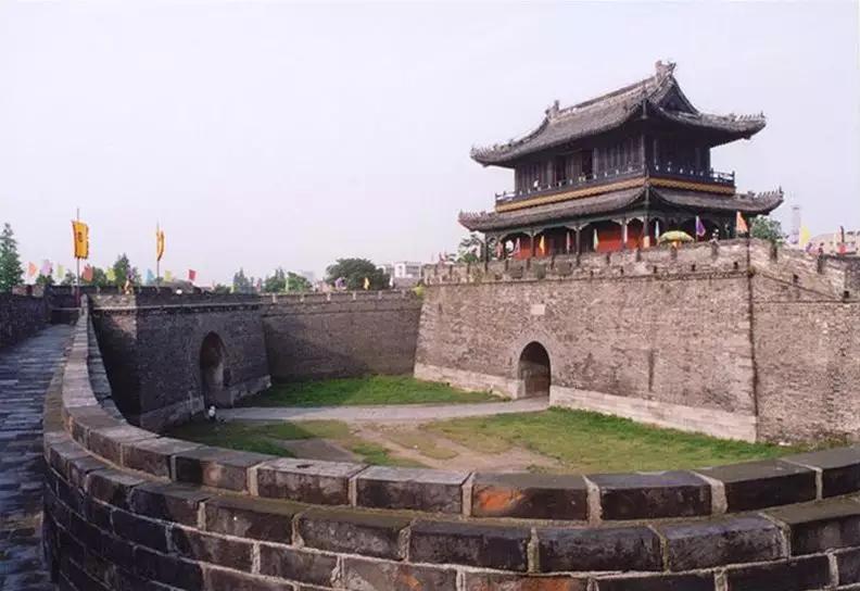 去年荆州接待游客4160万人次 旅游综合收入260亿
