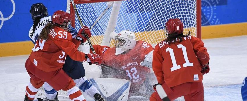 铜牌也不易!芬兰连摔带打险胜俄奥夺冰球季军