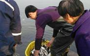 安徽放鱼节刚放的鱼又被抓