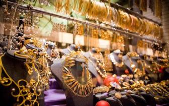 狗年春节脚步临近 珠宝市场回暖拍卖会增多