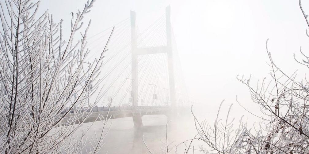 吉林上演雾凇奇观 北国江城早春美景依旧