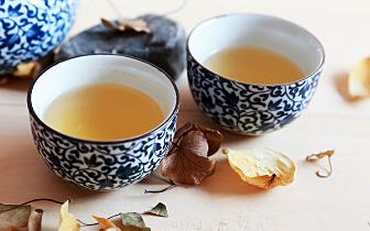 茶垢是健康大敌?盖上杯盖可减少茶垢形成