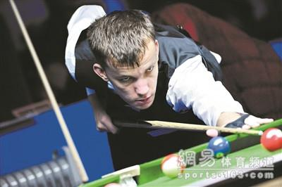 英自闭症患者玩中式八球成网红 称其像多年老友