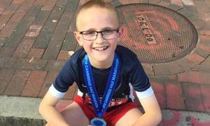 美国9岁男孩半马134完赛 坦言喜爱奔跑的感觉