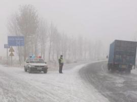 渑池县交通运输局执法所: 全力应对冰雪恶劣天气