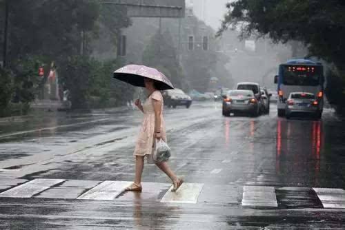 高考期间银川有雷阵雨 准备好雨具