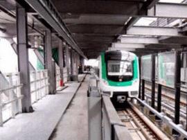 保证施工进度  地铁2号线南中环街站主体结构封顶