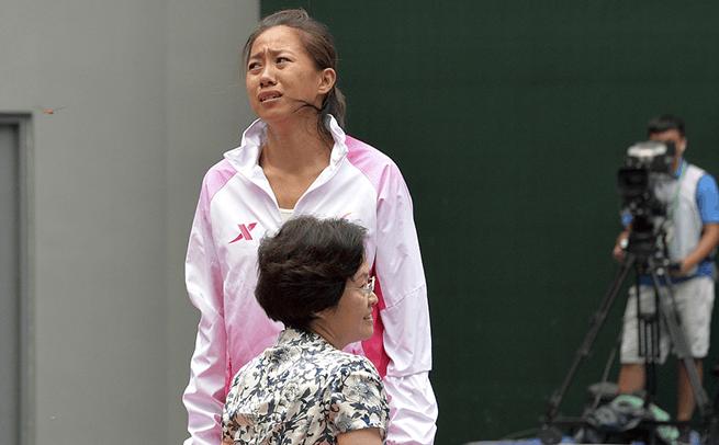 全运网球女单王蔷夺冠张帅拒戴银牌