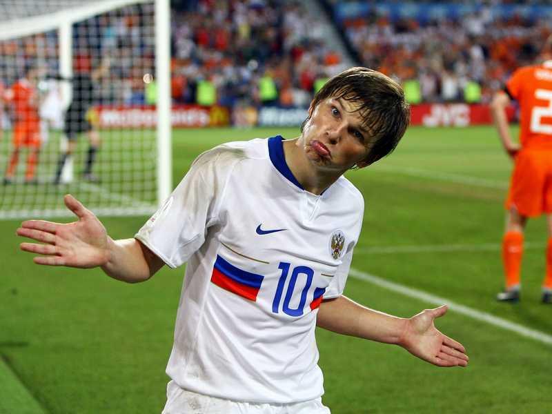 世界杯史上单场5球就他一个!30岁来中国混饭被赶走,原因太尴尬