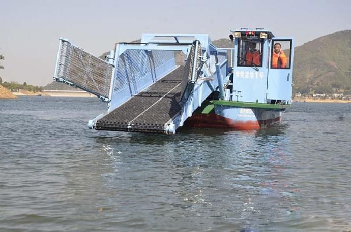 666 崇阳首艘价值百万的清漂船下水