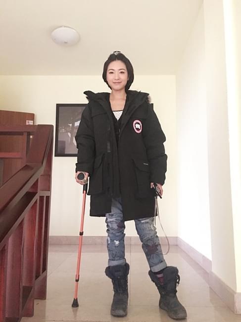 万茜拍长镜头致肌肉撕裂 刘璇雪中送炭荐名医