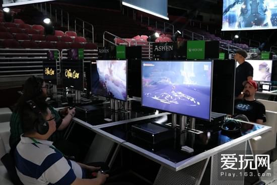 与Xbox Box X近距离接触 新主机暂不支持VR内容
