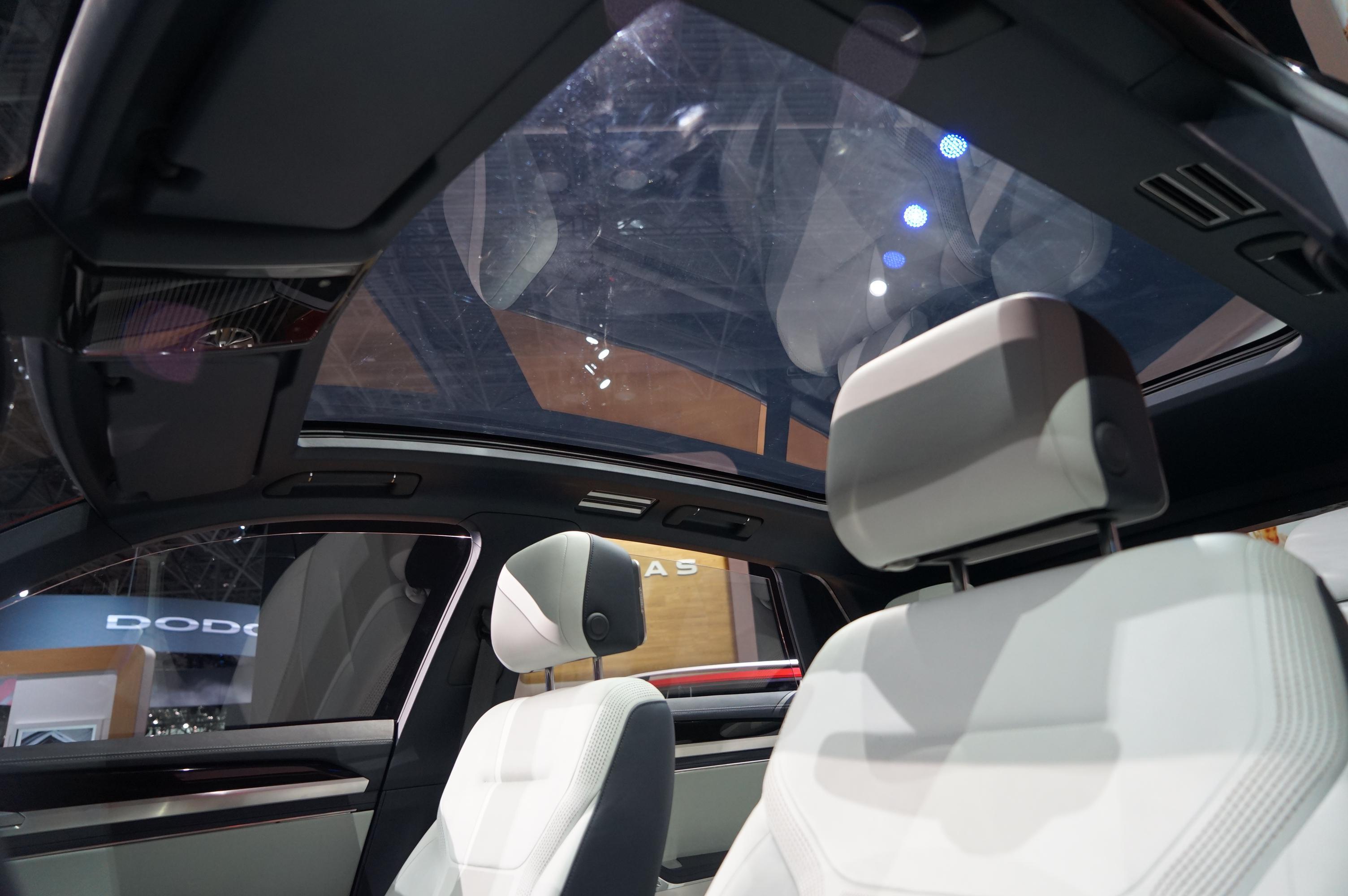更具运动风 大众发布Atlas Cross Sport概念车