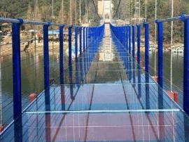 耗资千万 太原首座玻璃吊桥春节期间即将开放