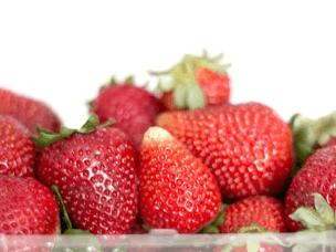 草莓还能这样吃,我又相信爱情了!