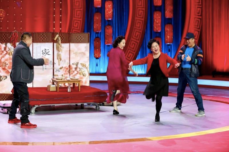 """辽宁卫视《组团儿上春晚》惊现""""真假""""潘长江"""