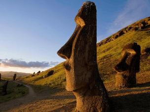 复活节岛上少人问津的自然奇观