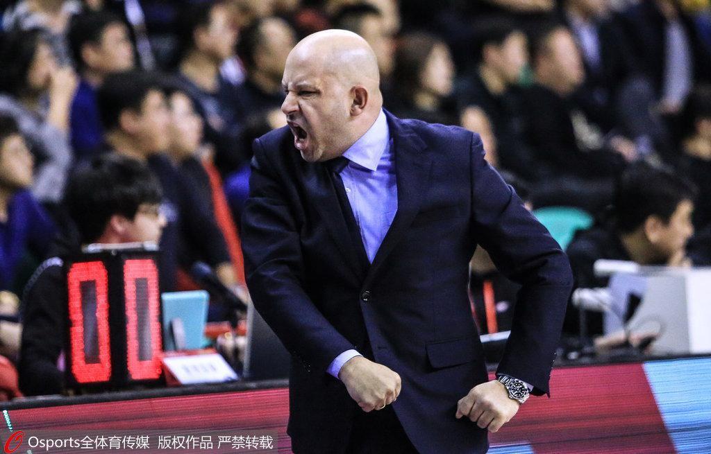 雅尼斯:篮球就是中国体育的镜子 有时很美有时丑陋