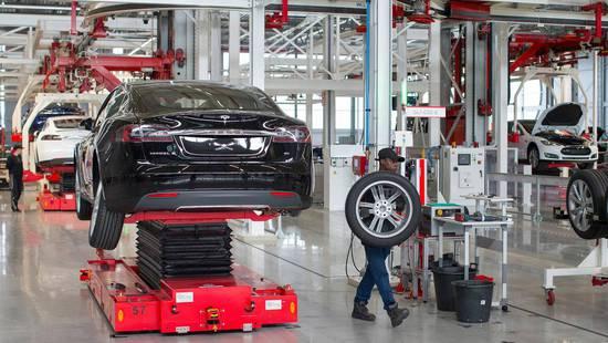 特斯拉Model 3二月份为了升级生产线曾停产5天