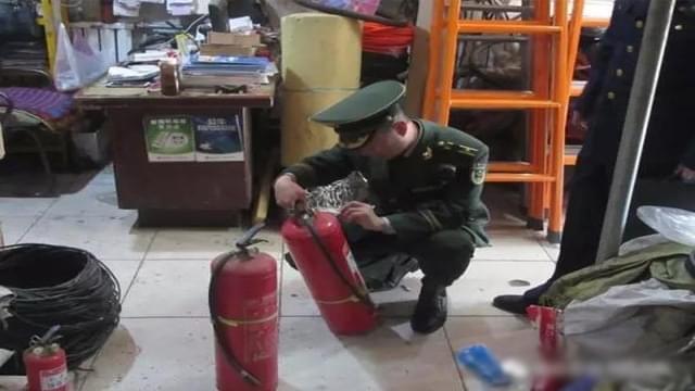 武强大队联合多部门开展3.15消防产品打假活动