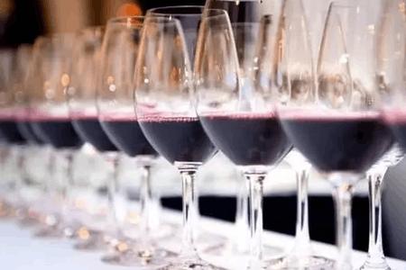喝红酒为啥要精心选择水晶杯?
