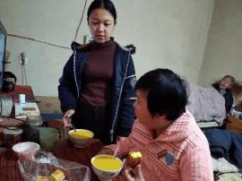 父母重病在床 邯郸22岁女孩用爱撑起一个家
