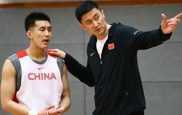男篮香港备战:杜锋指导郭艾伦