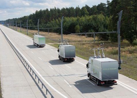 德国高速路测试电动卡车行驶中充电 最高时速90km