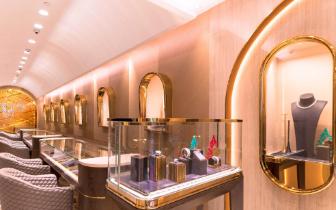 周大福在香港开设首家主打中高档路线珠宝店