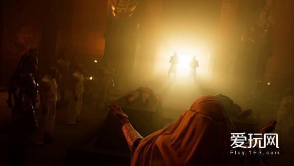 10在《X战警:天启》中,金字塔下方被完全掏空,内部也被掏出一个大殿