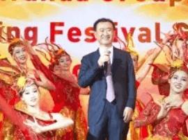 60%网友期待王健林年会唱摇滚:今年带上儿子吧