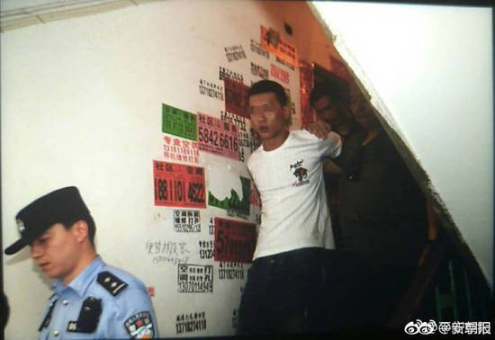 男子在北京街头疑用专业格斗术殴打他人 已被抓获
