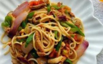 舌尖上的中国——新疆的炒拉条子