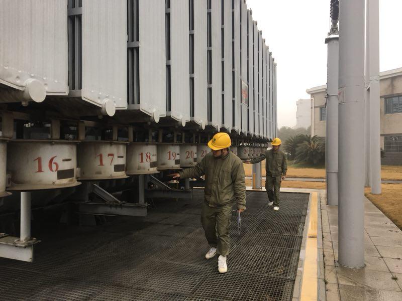"""国网咸宁供电公司开展""""两会""""特巡保供电"""
