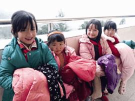 靖江外国语学校学生:为云南贫困山区捐赠600余件冬衣
