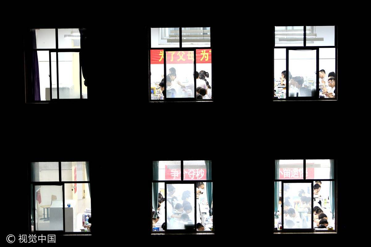 2013年5月24日,河北衡水二中是河北学生翻身的为数不多的希望 / 视觉中国